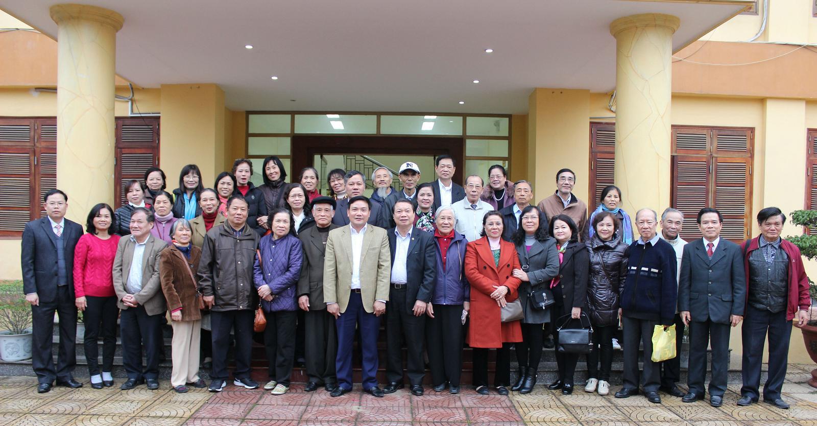 Gặp mặt đoàn CB hưu HND Việt Nam về thăm BN
